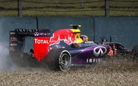 Квят сошел с гонки Гран-при Китая из-за возгорания двигателя