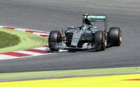 Пилот «Мерседеса» Нико Росберг победил в Гран-при Испании, Квят — десятый