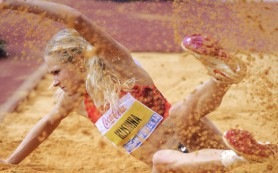 Дарья Клишина вышла в финал в прыжках в длину на ЧМ в Пекине