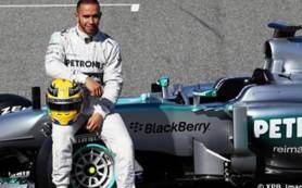 Пилот «Мерседеса» Хэмилтон победил на Гран-при США и стал трехкратным чемпионом «Ф-1»