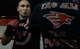 Российский боксер Устинов выиграл бой у американца менее чем за минуту