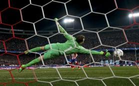 «Атлетико» выиграл по пенальти и вышел в четвертьфинал Лиги чемпионов