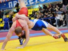 Три золотые медали на ЧЕ — результат хорошей спортивной формы борцов, заявил Тедеев