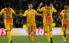 Дубль Суареса помог «Барселоне» в большинстве обыграть «Атлетико»