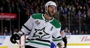 Александр Радулов забил буллит в матче НХЛ с «Рейнджерс», несмотря на падение