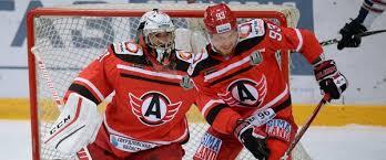 «Автомобилист» продлил контракт с хоккеистом команды Алексеем Василевским