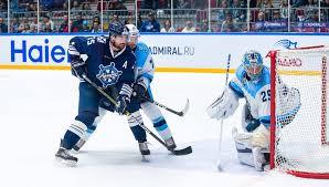 Дубль Пуустинена принес «Сибири» победу над «Адмиралом» в матче КХЛ