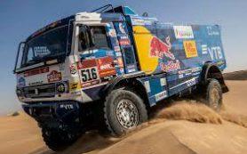 Экипаж Шибалова победил на десятом этапе «Дакара» в зачете грузовиков