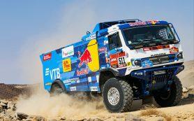 Экипаж Каргинова вышел в лидеры в зачете грузовиков на «Дакаре»