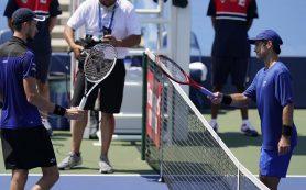 Медведев победил в первой игре после рестарта сезона