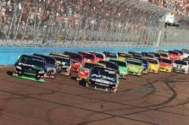 Финальный круг гонки NASCAR превратился в хаос из-за жуткой аварии
