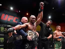 Усман победил Бернса в главном поединке турнира UFC 258