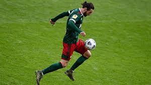 СМИ назвало клуб, который согласовал контракт с Крыховяком