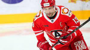 Шипачев и Бочаров вошли в список лучших игроков первой недели КХЛ