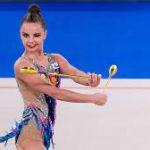 Дина Аверина стала чемпионкой мира в упражнении с булавами