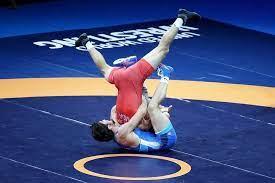 Борец Шахиев выиграл золото чемпионата мира